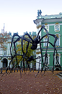 Louise Bourgeois's Spiders in the Large Courtyard of the Winter Palace